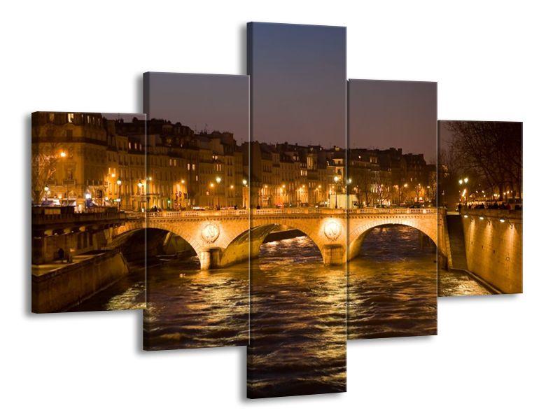 Večerní pohled na most