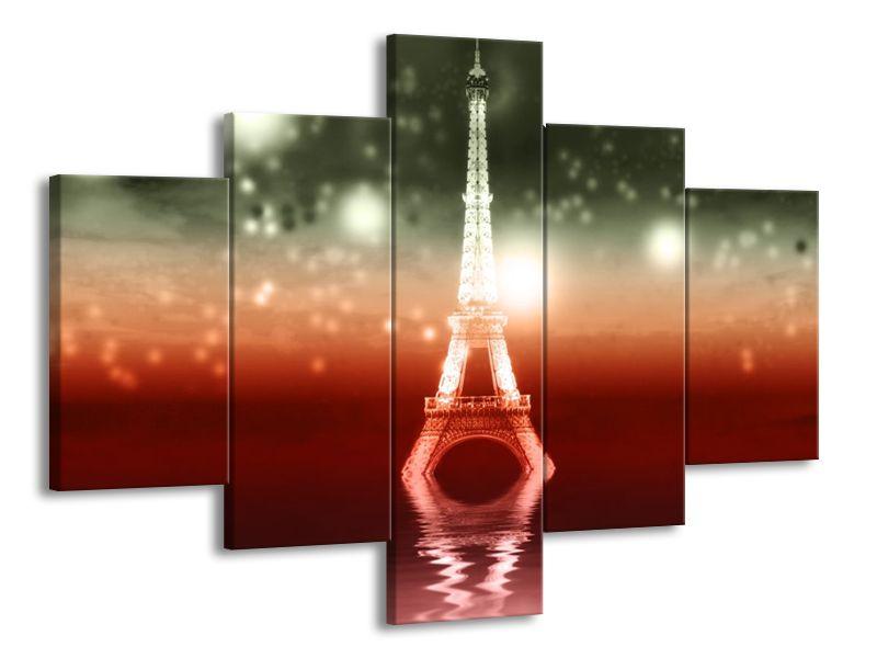 Eiffelova věž v odrazu