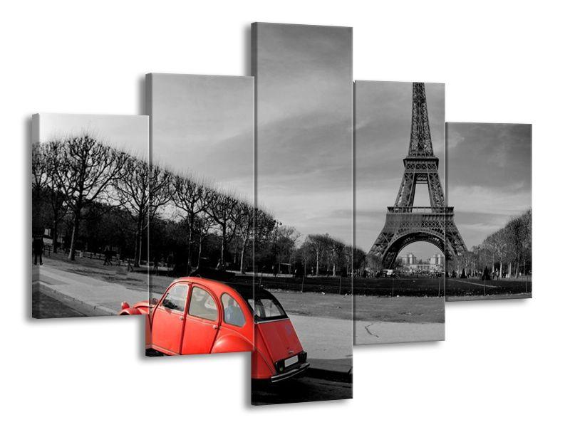 Eiffelova věž černobílá a auto