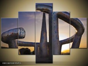 Kovové umění v západu slunce