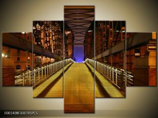 Cesta po mostě