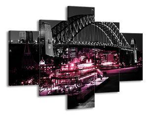 Most s lodí růžová