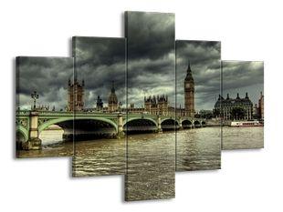 Big Ben v blížící se bouři