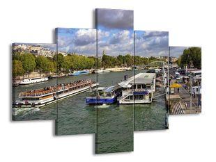Lodě na řece