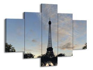 Eiffelova věž a stromy