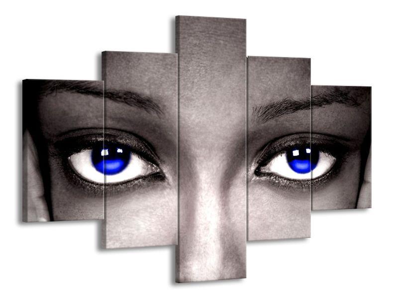 Tmavě modré oči