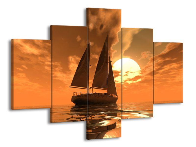 Loď na jezeře a západ slunce