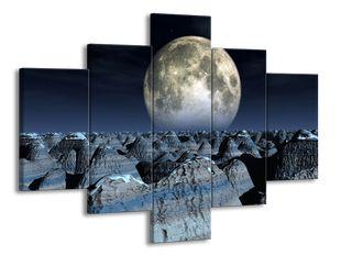 Měsíc nad pahorky
