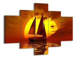 Plachetnice a obří slunce