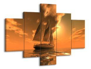 Plachetnice ve zlatém oparu