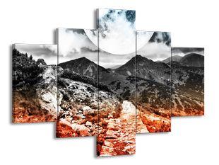 Úplněk nad horami