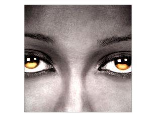 Zlaté zářící oči