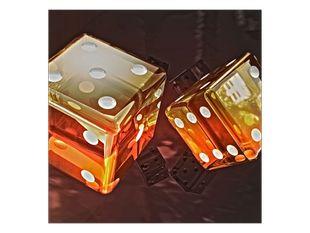 Oranžové hrací kostky