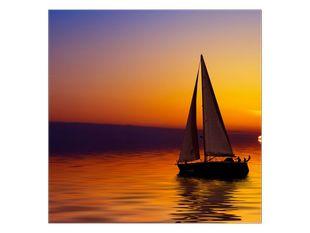 Plachetnice na duhových vlnách