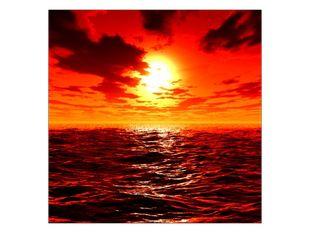 Ohnivý západ slunce ve vlnách