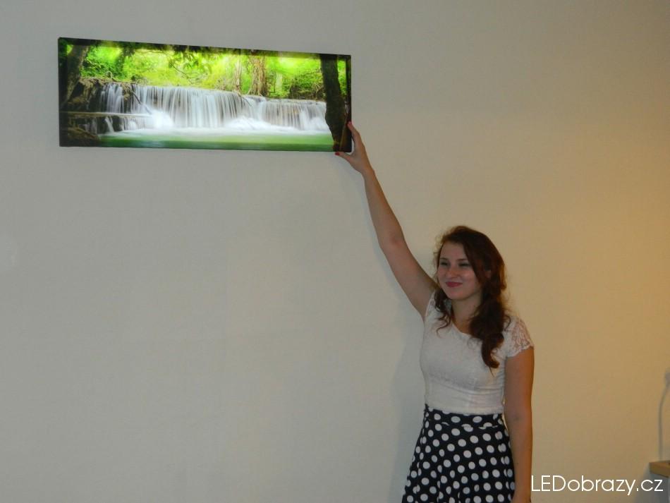 obraz Vodopád na zdi